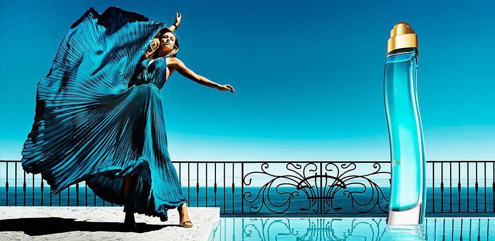 divine синий и девушка