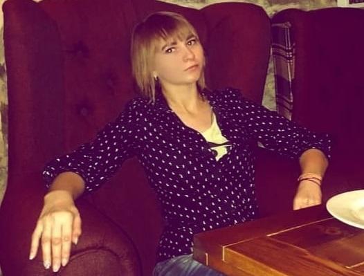 Маргарита Солнечная девушка психолог сидит